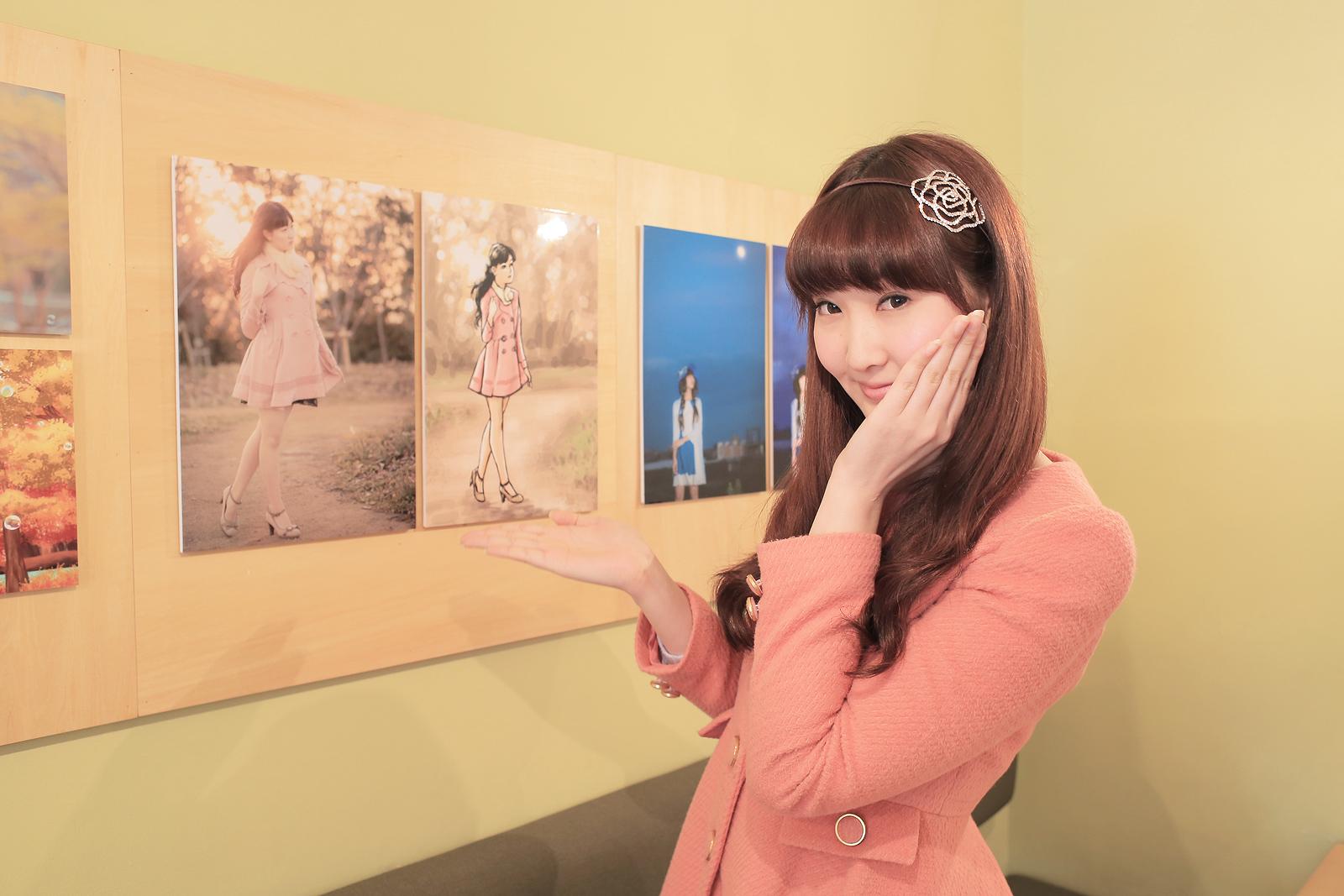 Yua-chan membantu persiapan pameran